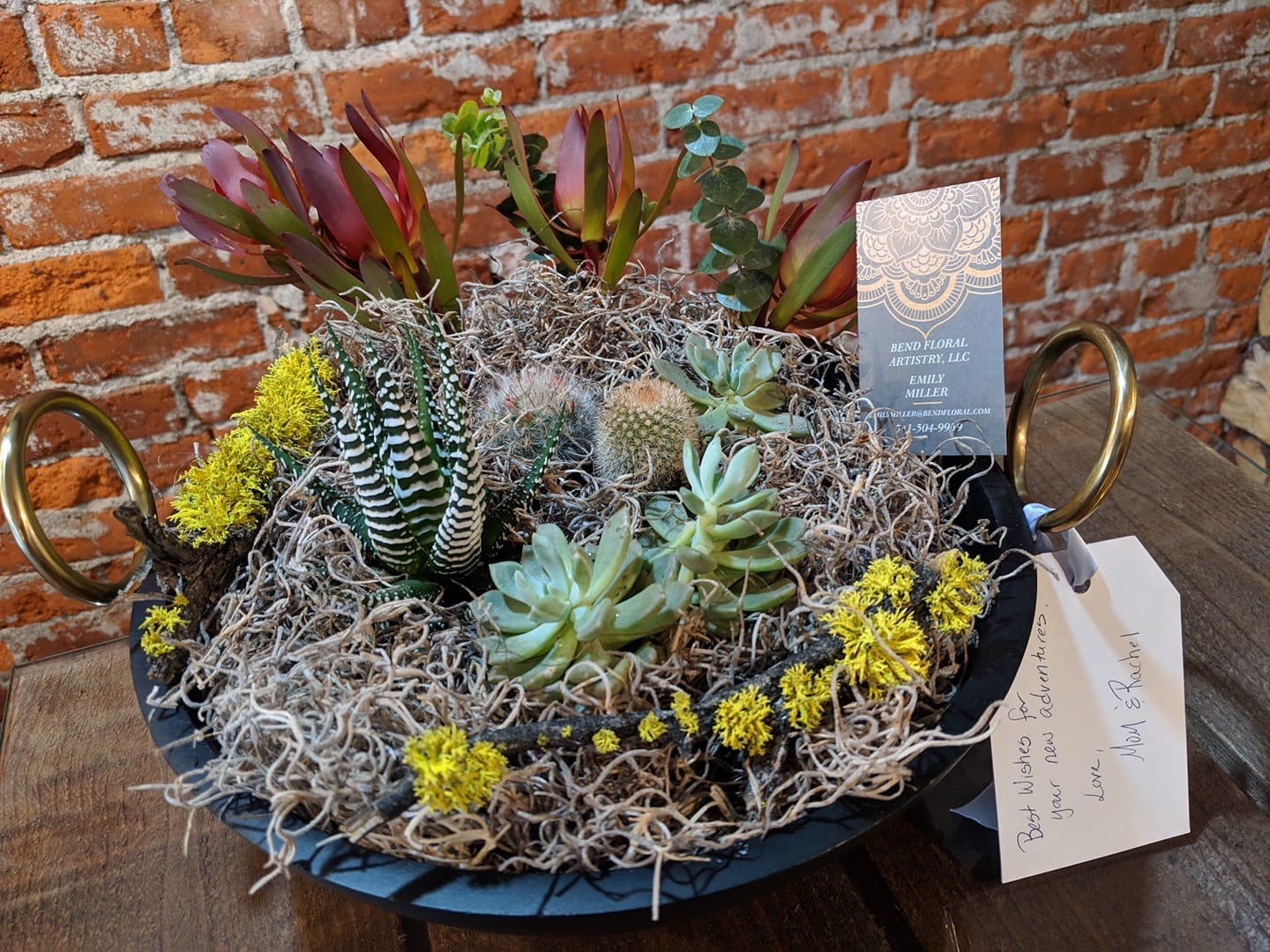 Bend Floral Artistry  -  Custom Floral Arrangements and Custom Succulent Trays for every occasion. Flower Deliveries in Bend, Oregon. Your Local Bend, Oregon Bespoke Florist.