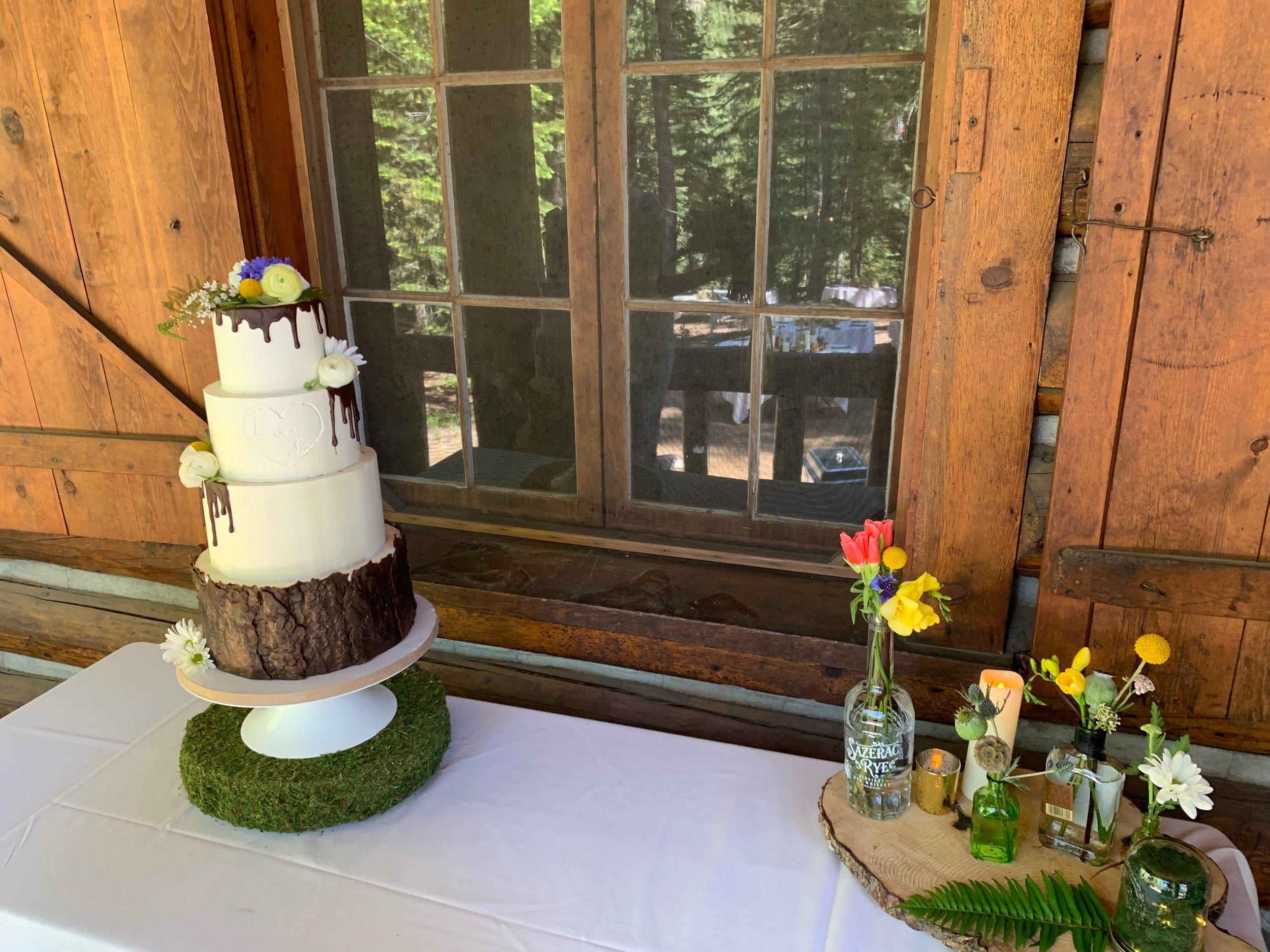 Bend Floral Artistry - Cake Flowers.JPG