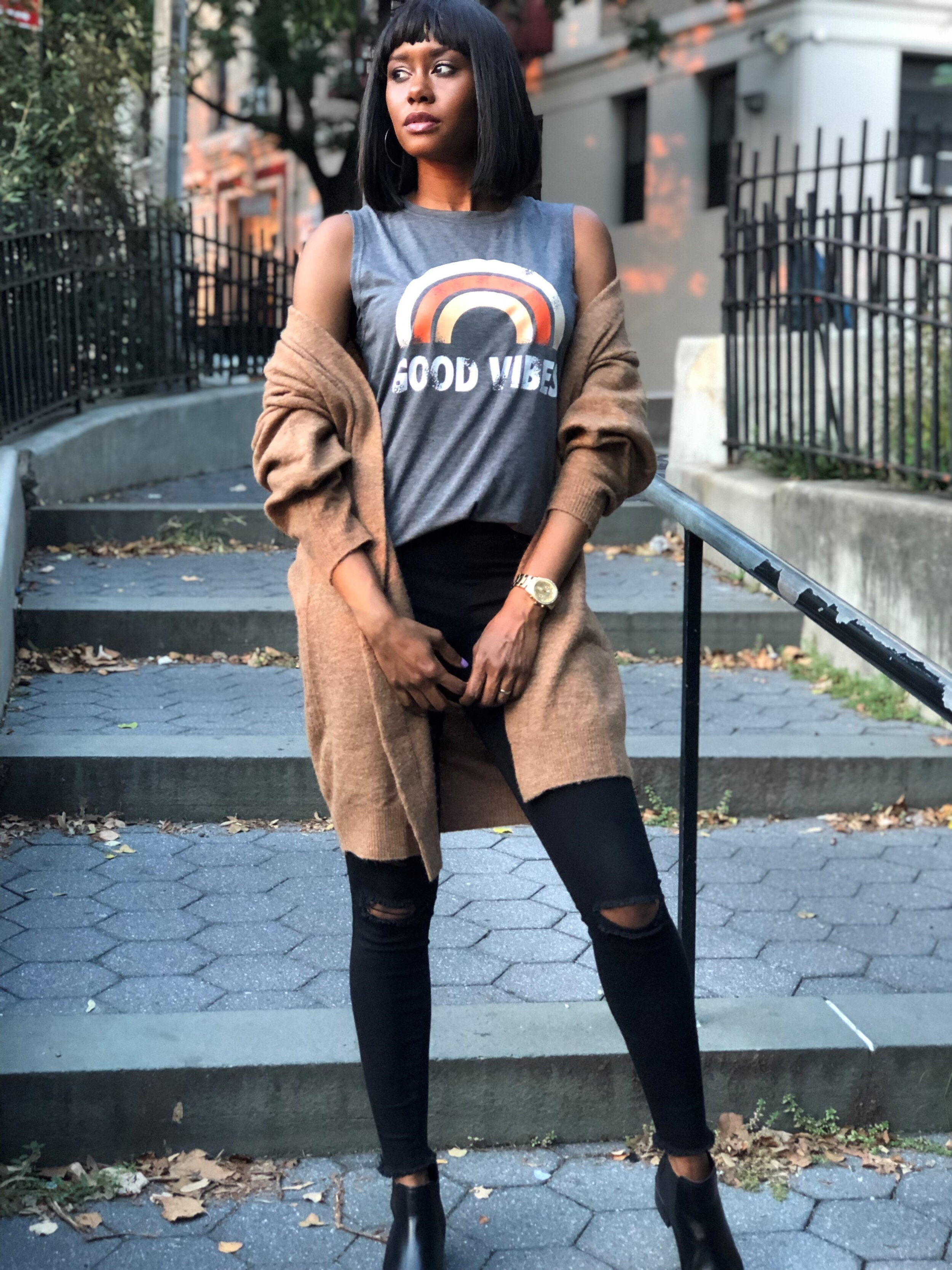 Fall Fashion 2019 in Good Vibes Tee and HM cardigan
