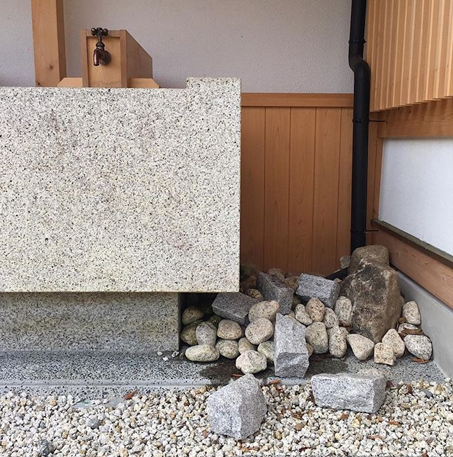 MAGOME | Day 1  Beautiful public rest area in Magome. Naturally taking a million photos of stones and basins, safe to say I'm getting a few funny looks. . . . . . . #publicspace #design #restarea #japan #stones #basin #water #natural #simple #countryside #mountains #timber #grey #wood #japan #japanesedesign #magome #kisovalley #architecture #landscapedesign