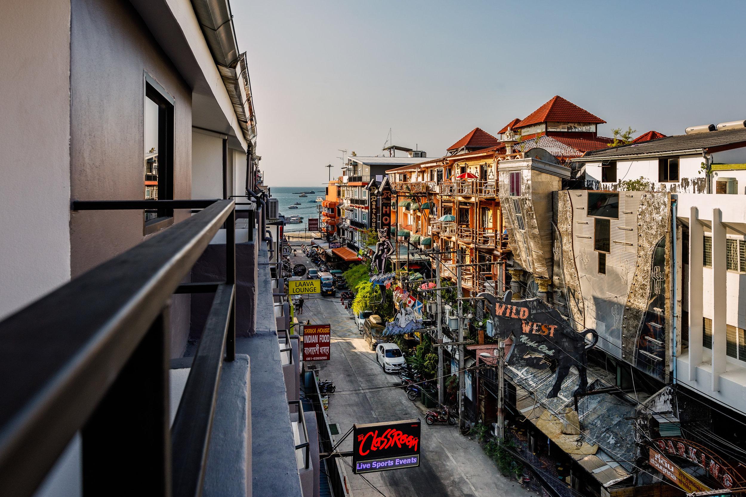 the-classroom-hotel-pattaya-16.jpg