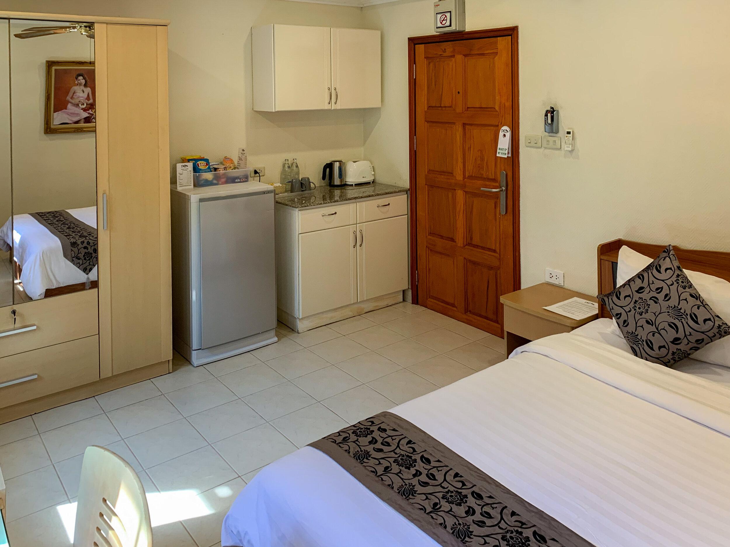 Room 41 kitchenette.jpg