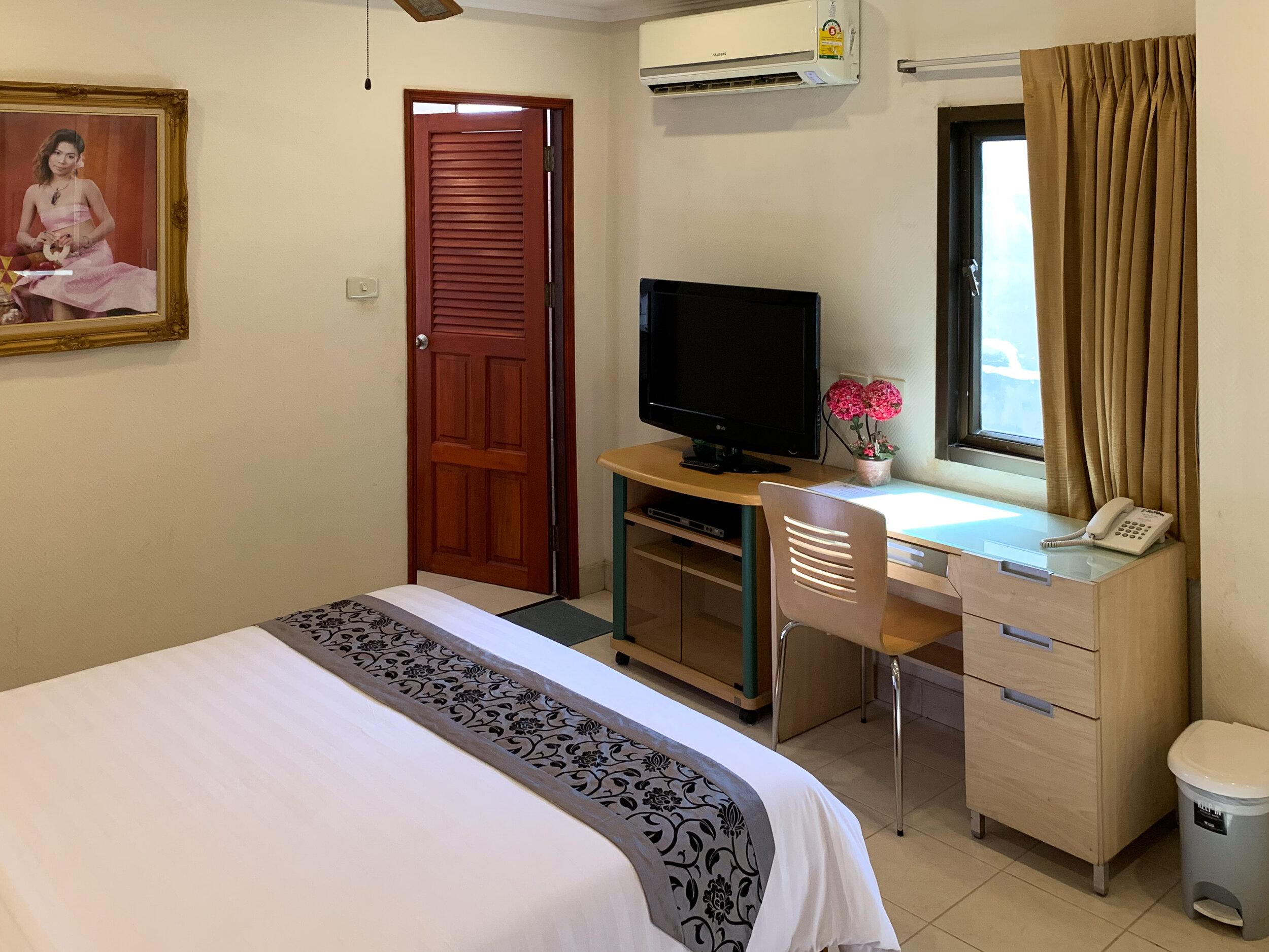 Room 41 tv.jpg
