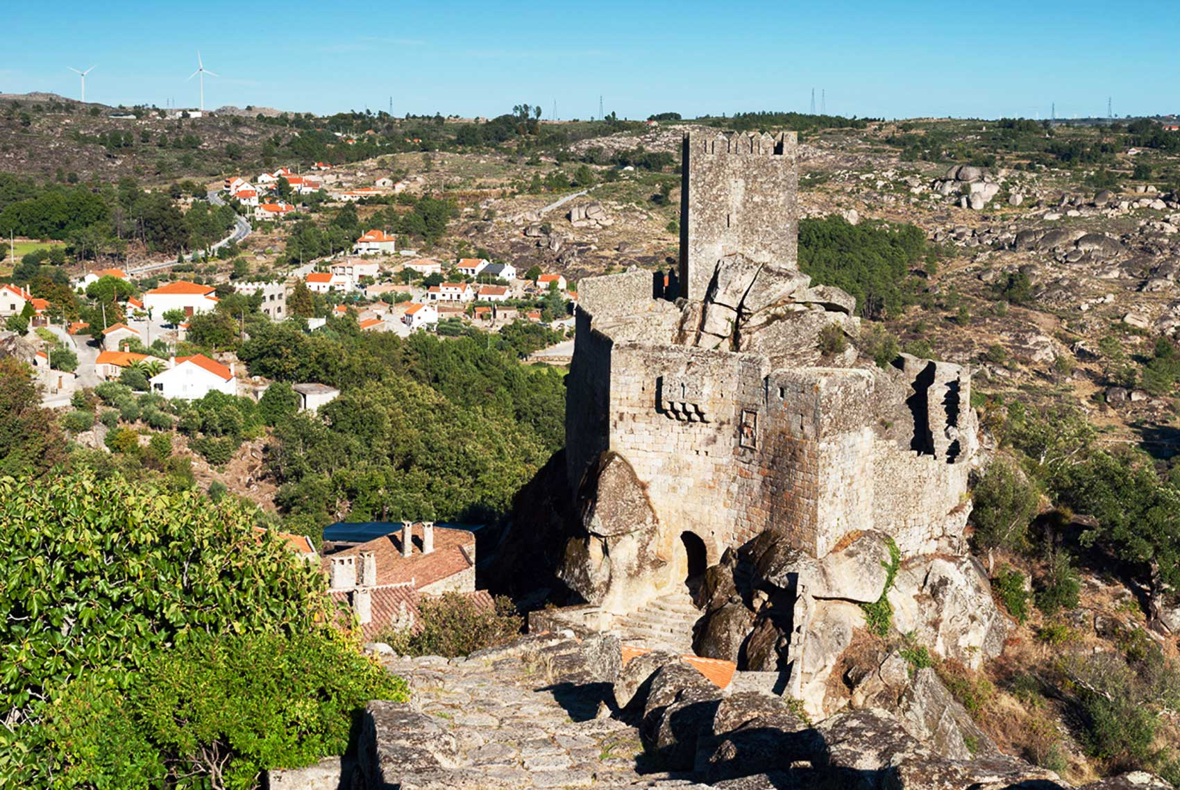 View of the Castle of Sortelha (Sabugal). ©  www.aldeiashistoricasdeportugal.com