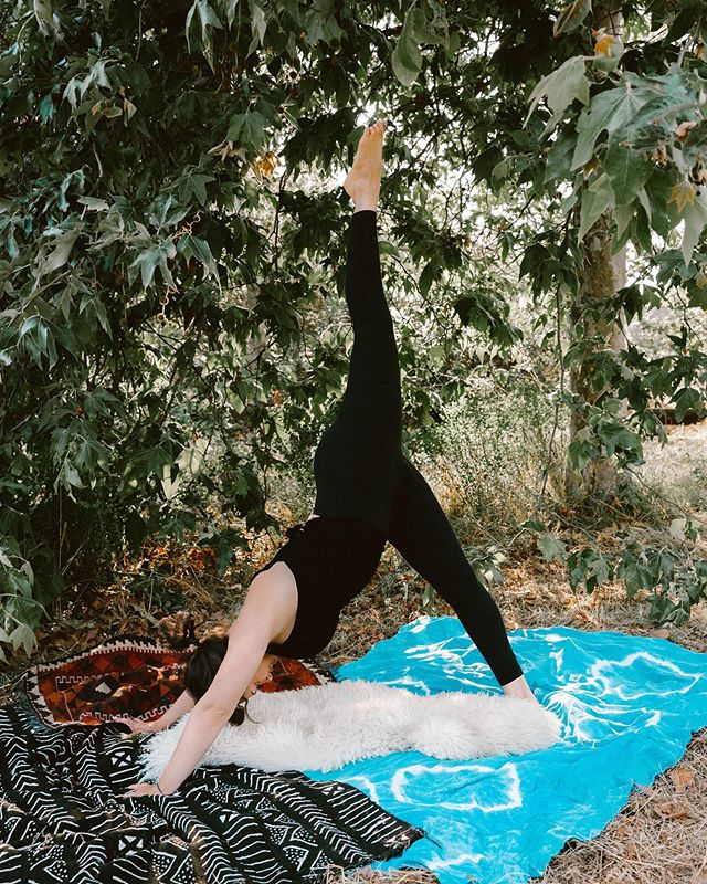 happy international yoga day ✨ forever grateful for this practice of honest self-inquiry, compassion, strength, tolerance, and love also, continuously humbled to be a part of this beautiful, global kula of yogic students, teachers, and healers i cherish this community with all my heart big love xo . . . photo by @martha_kirby
