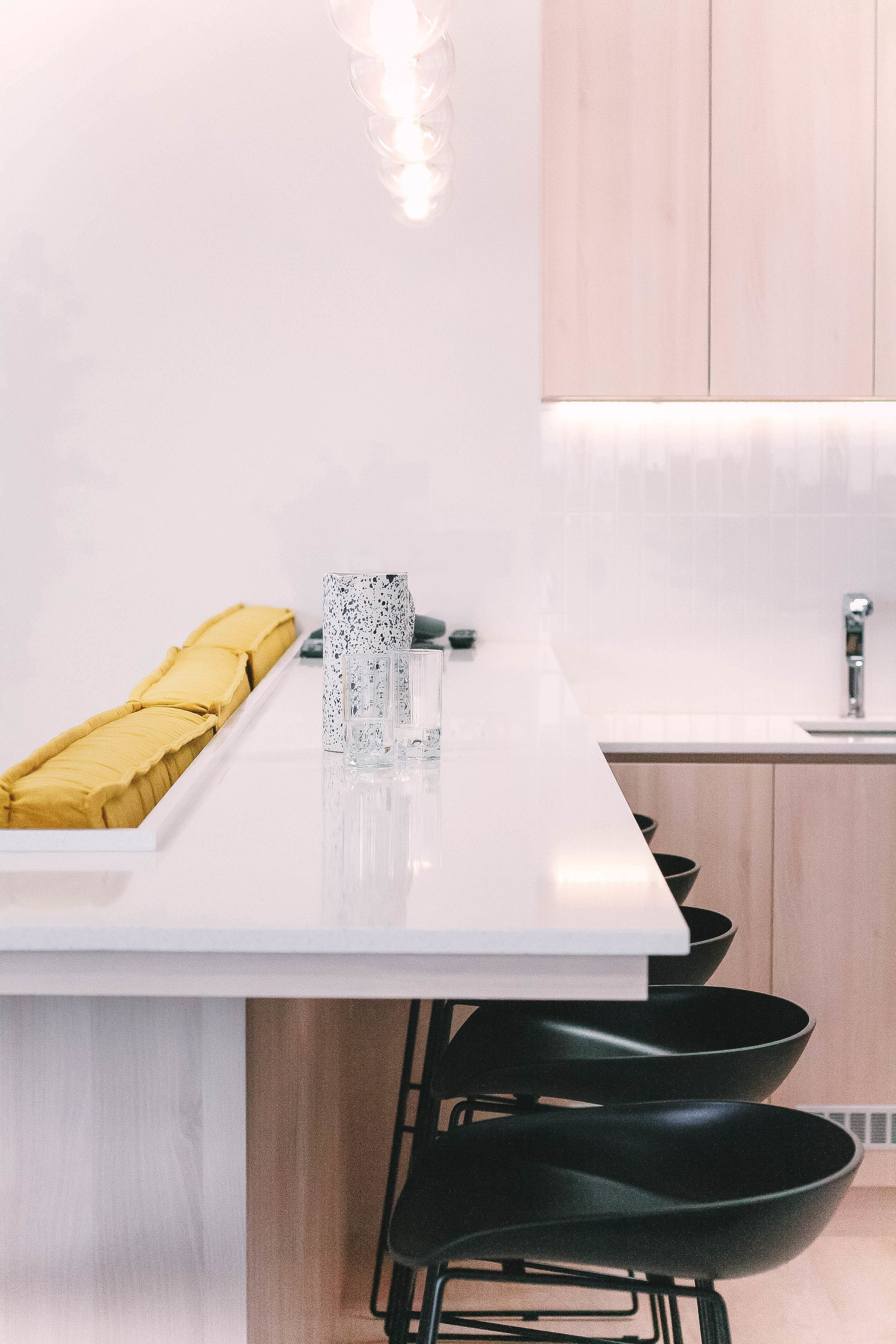 Bright White Marble Bar Counter