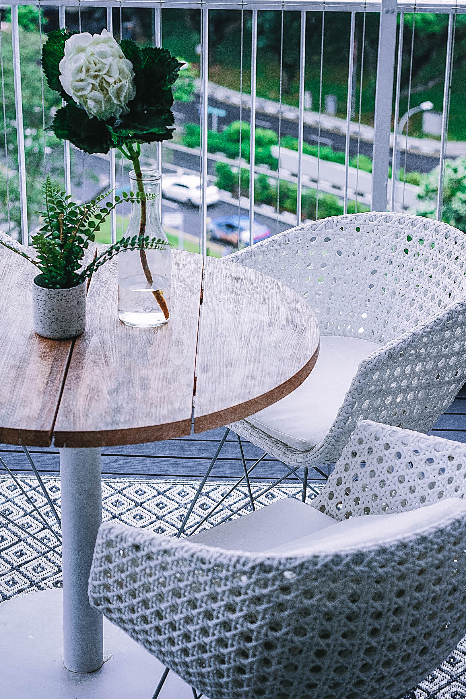 Outdoor Balcony Patio Round Table Green Plants