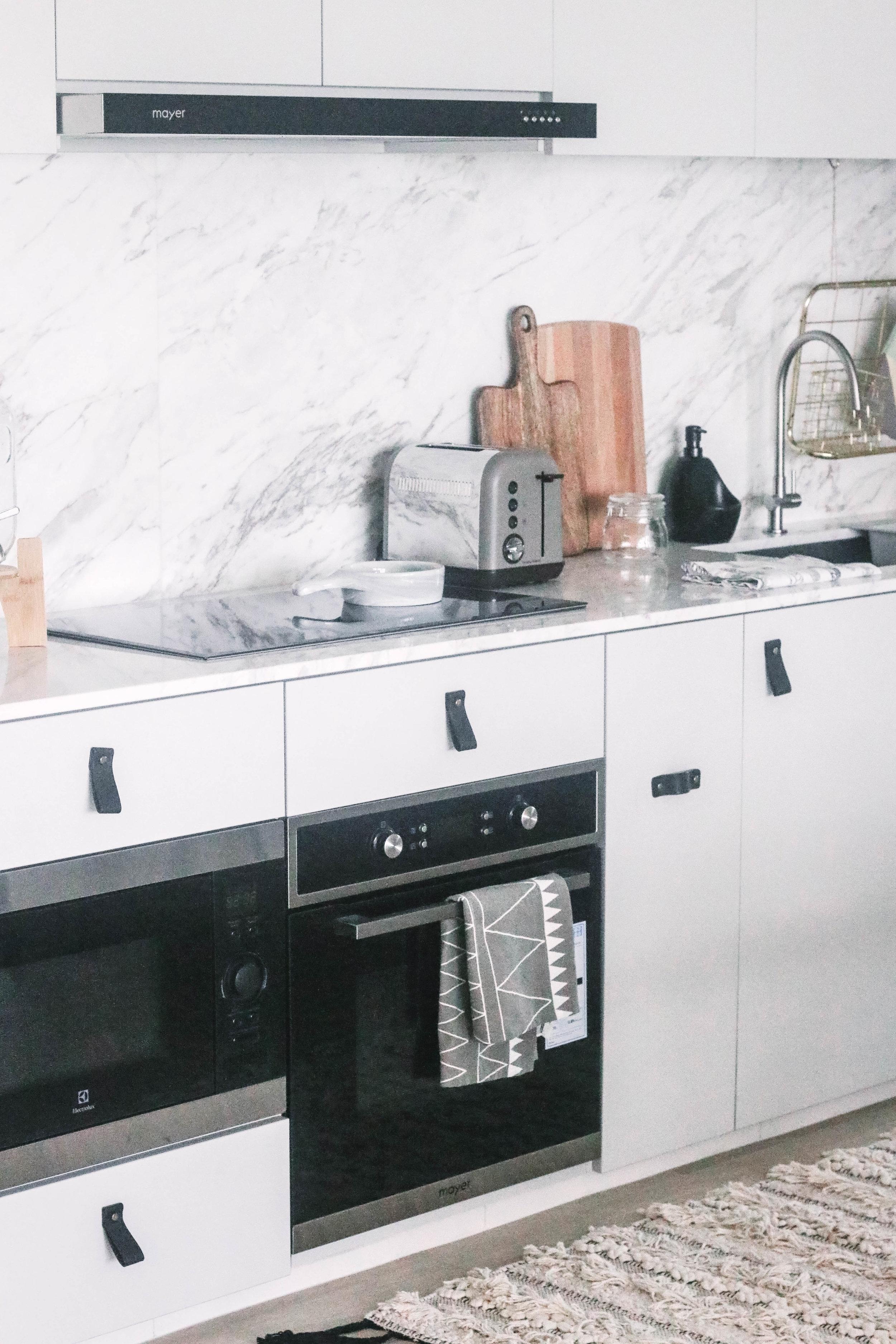 White Kitchen Cabinets Scandinavian Inspired