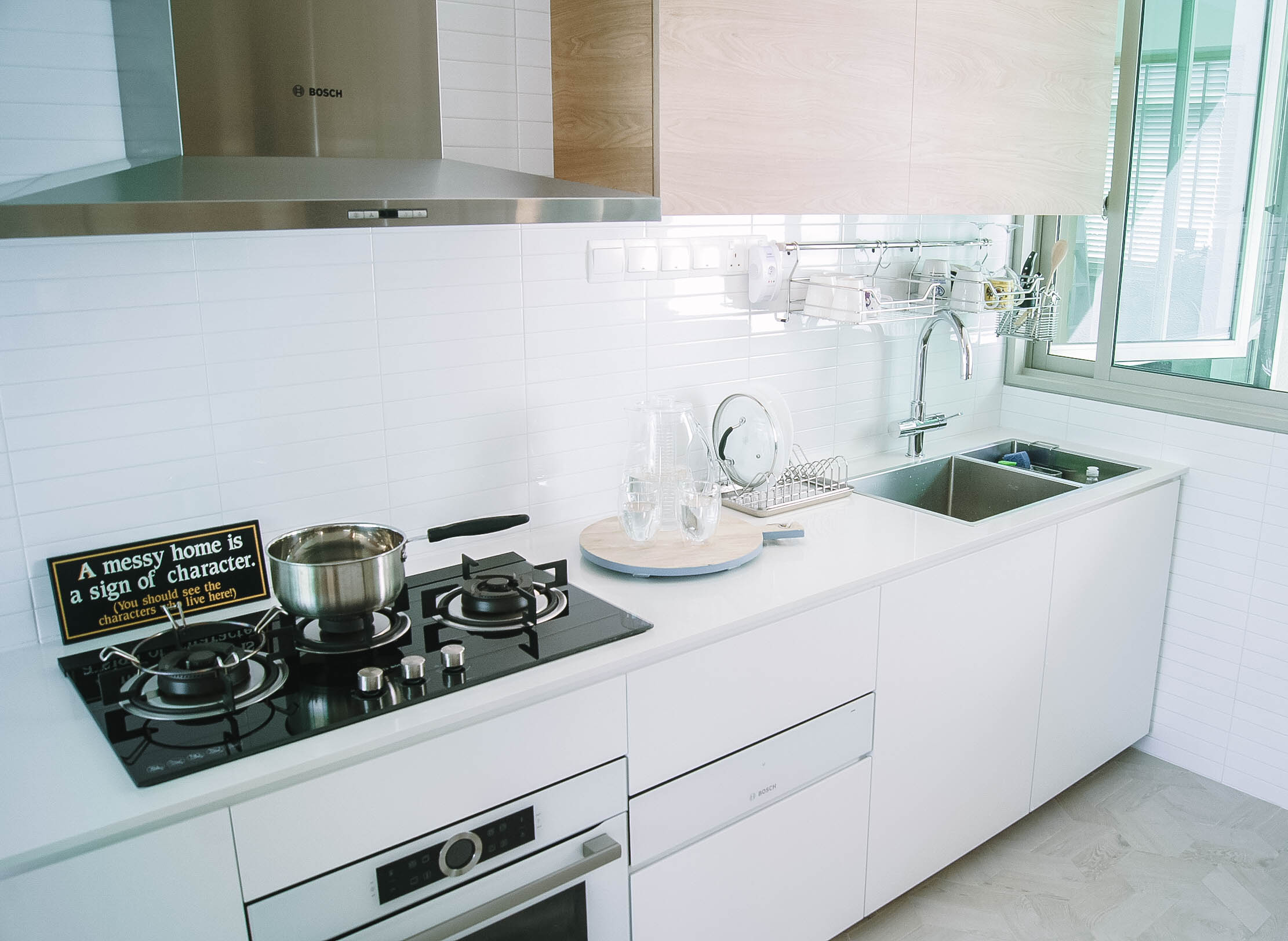 Stunning Bright White Kitchen