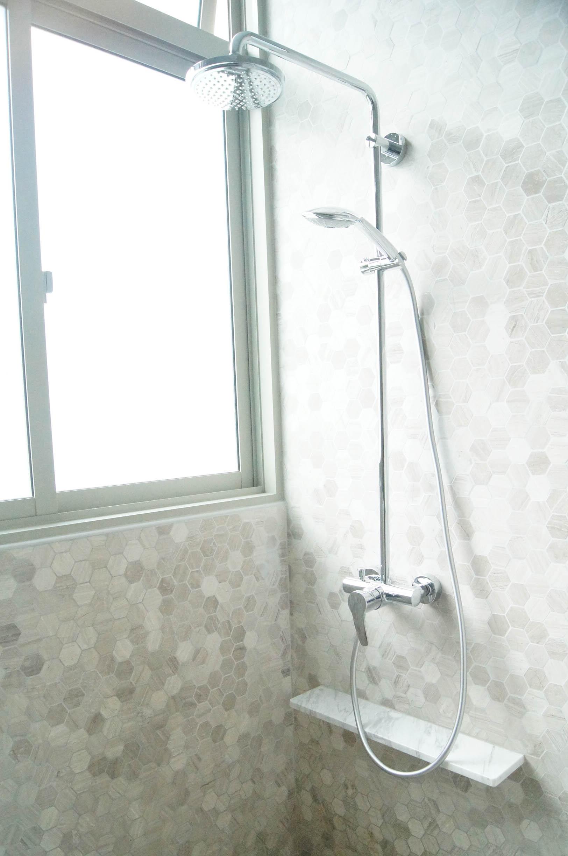 Stunning Minimal Shower Tiles