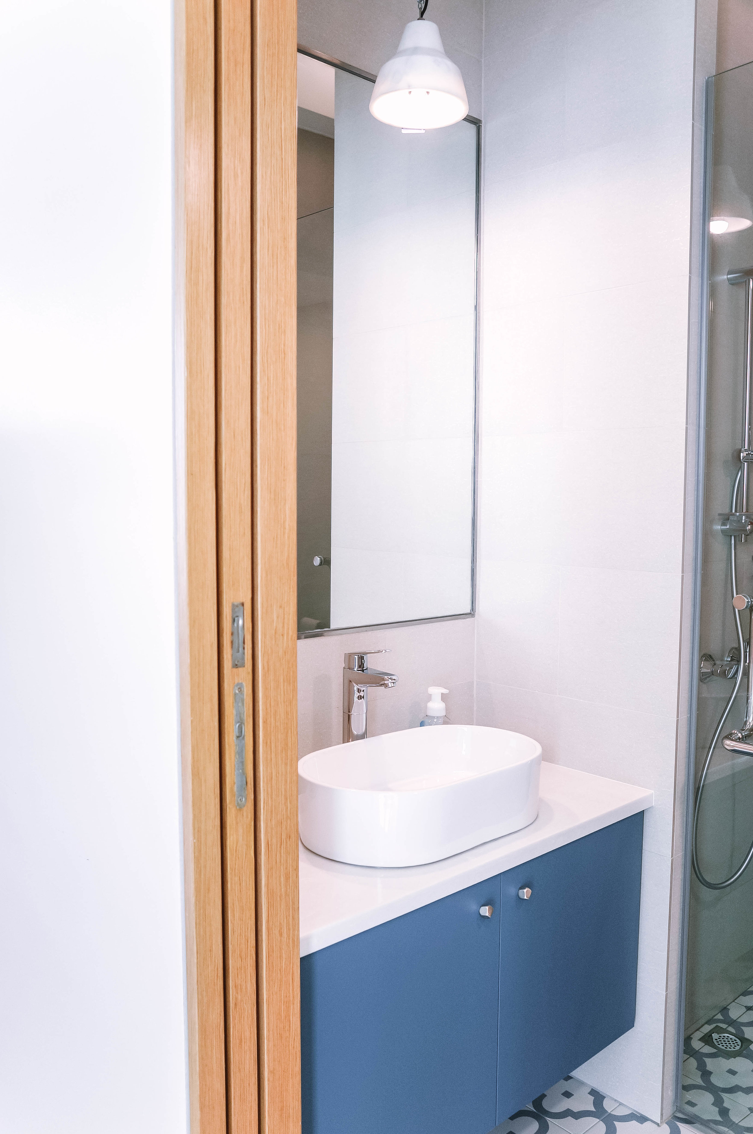 Pop of Colour Bathroom Sink