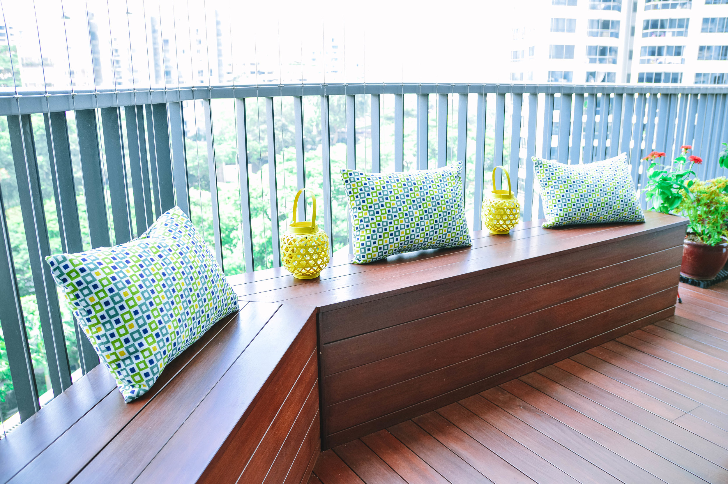 Cool Balcony Wooden Deck Styling