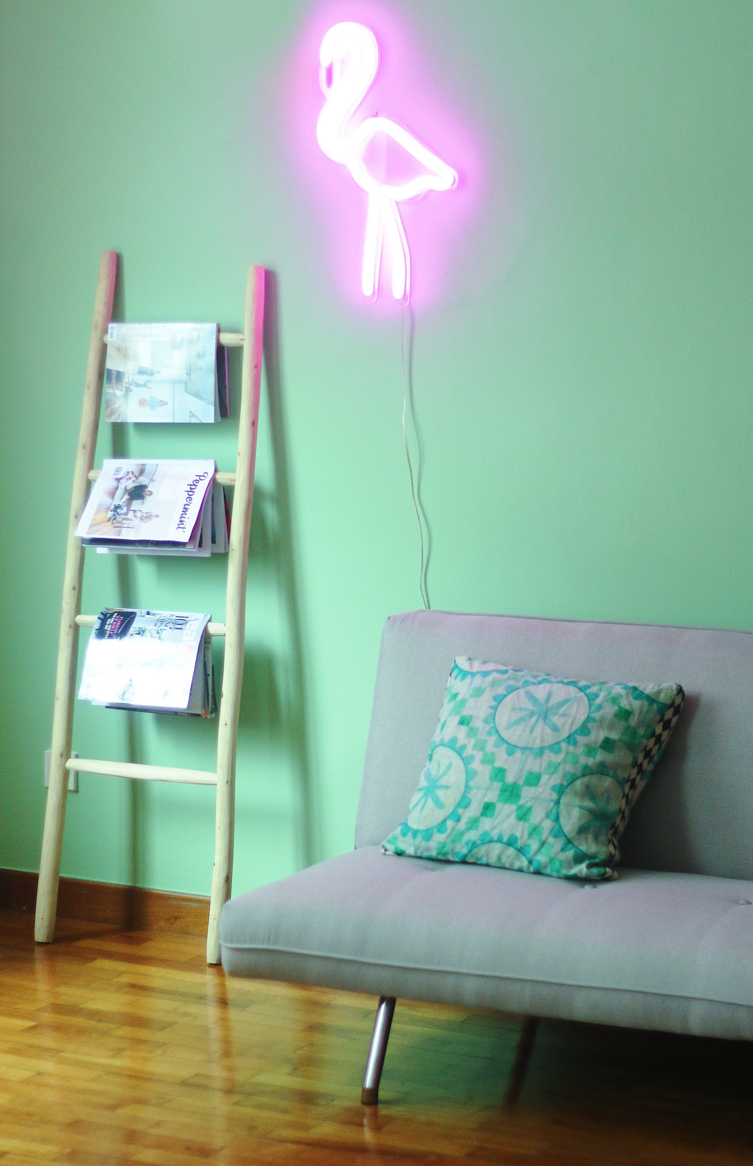 Cool Neon Sign Ideas at Home with Feature Wall