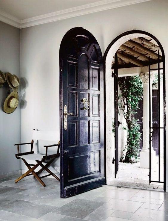 curved door4.jpg