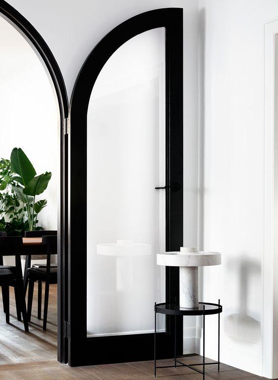 curved door.jpg