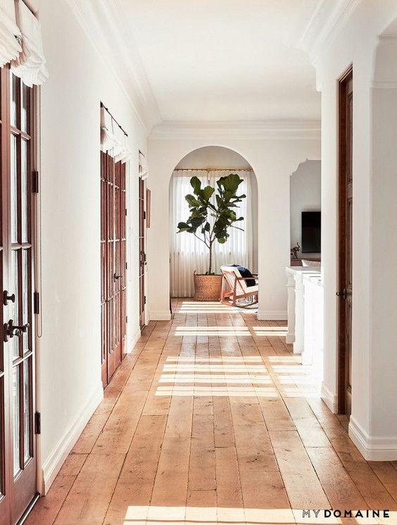 curved doorway.jpg