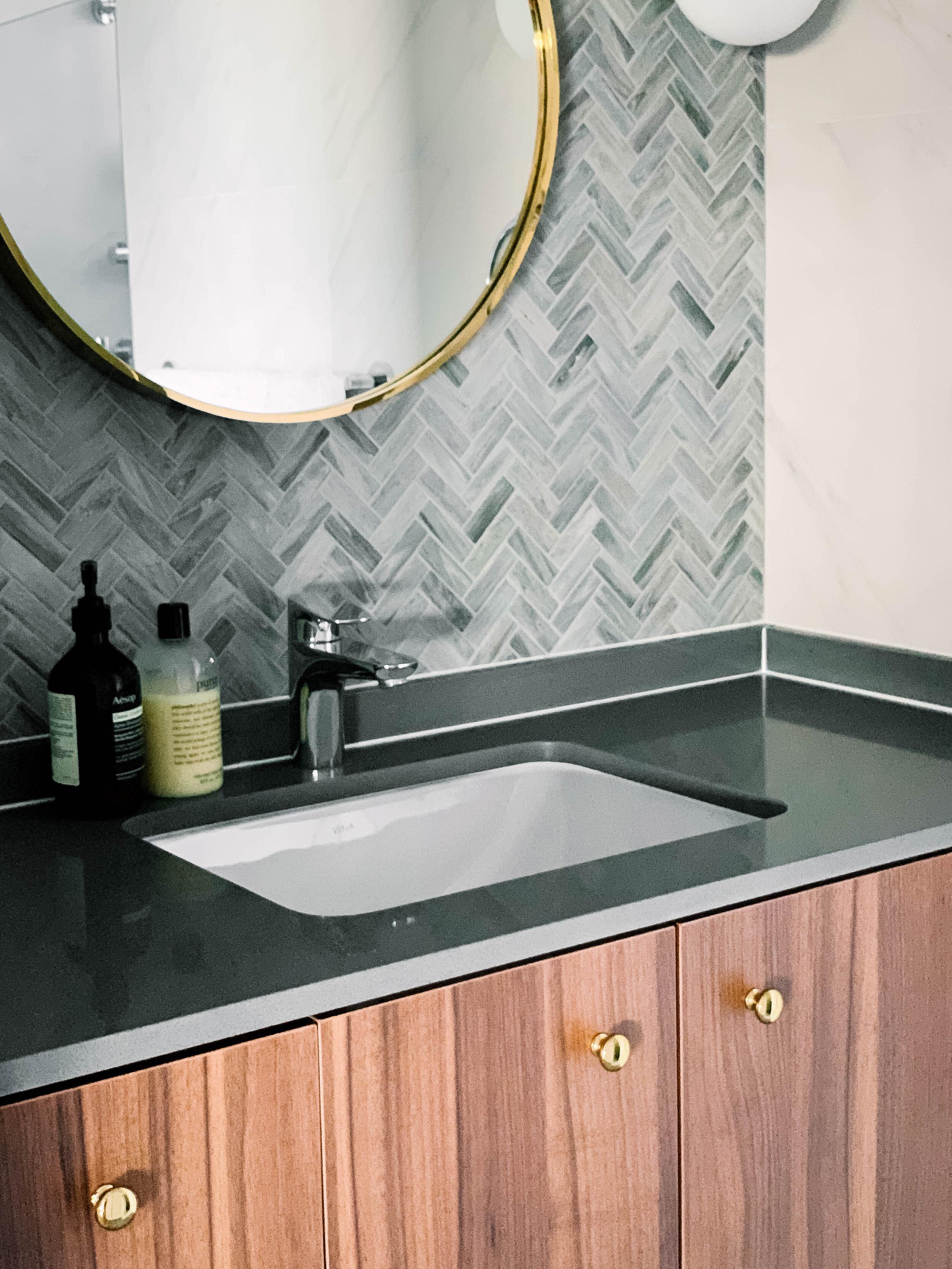 Chic Grey and Gold Bathroom Design (6 of 7).jpg