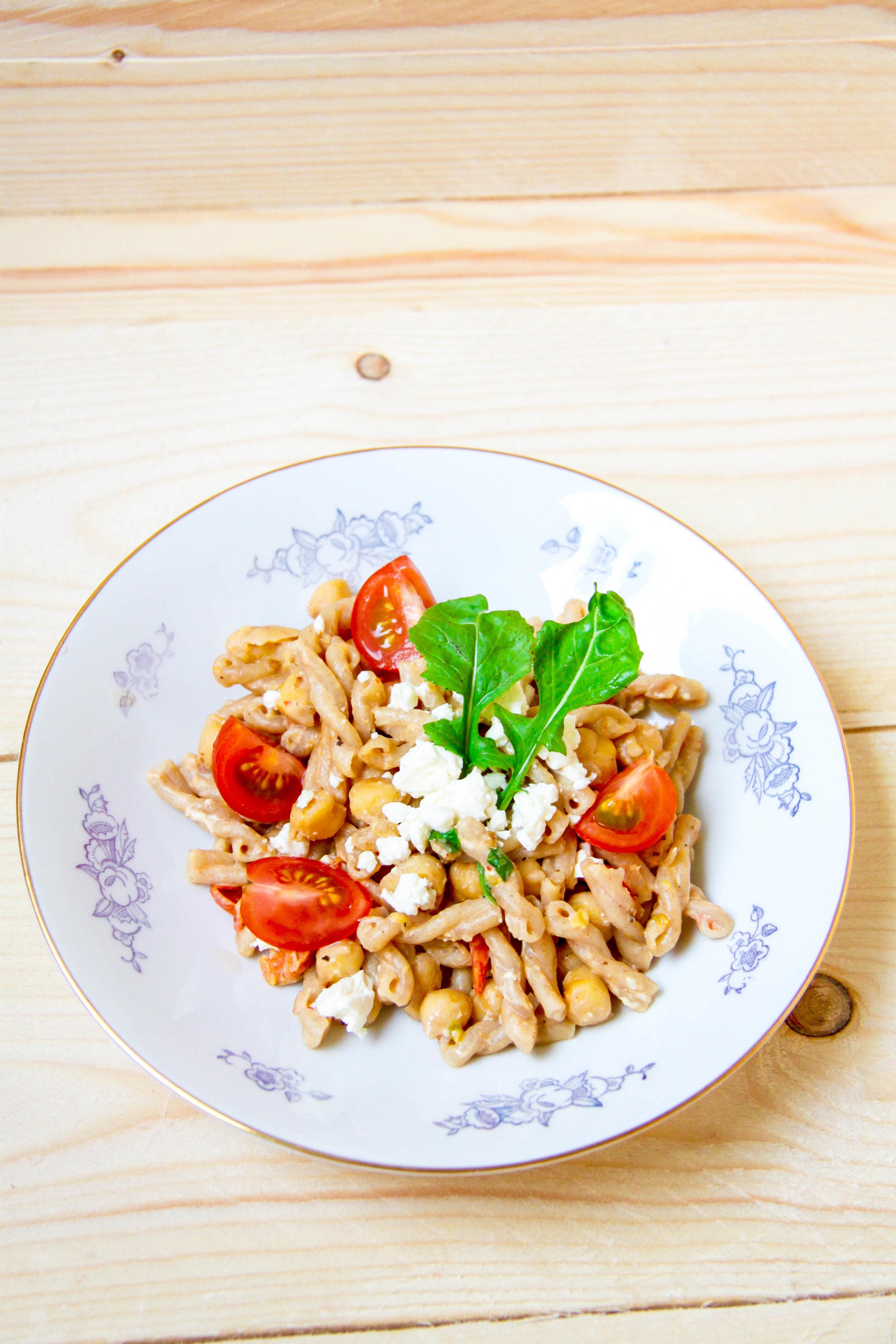 Billig tomat och fetaostpasta