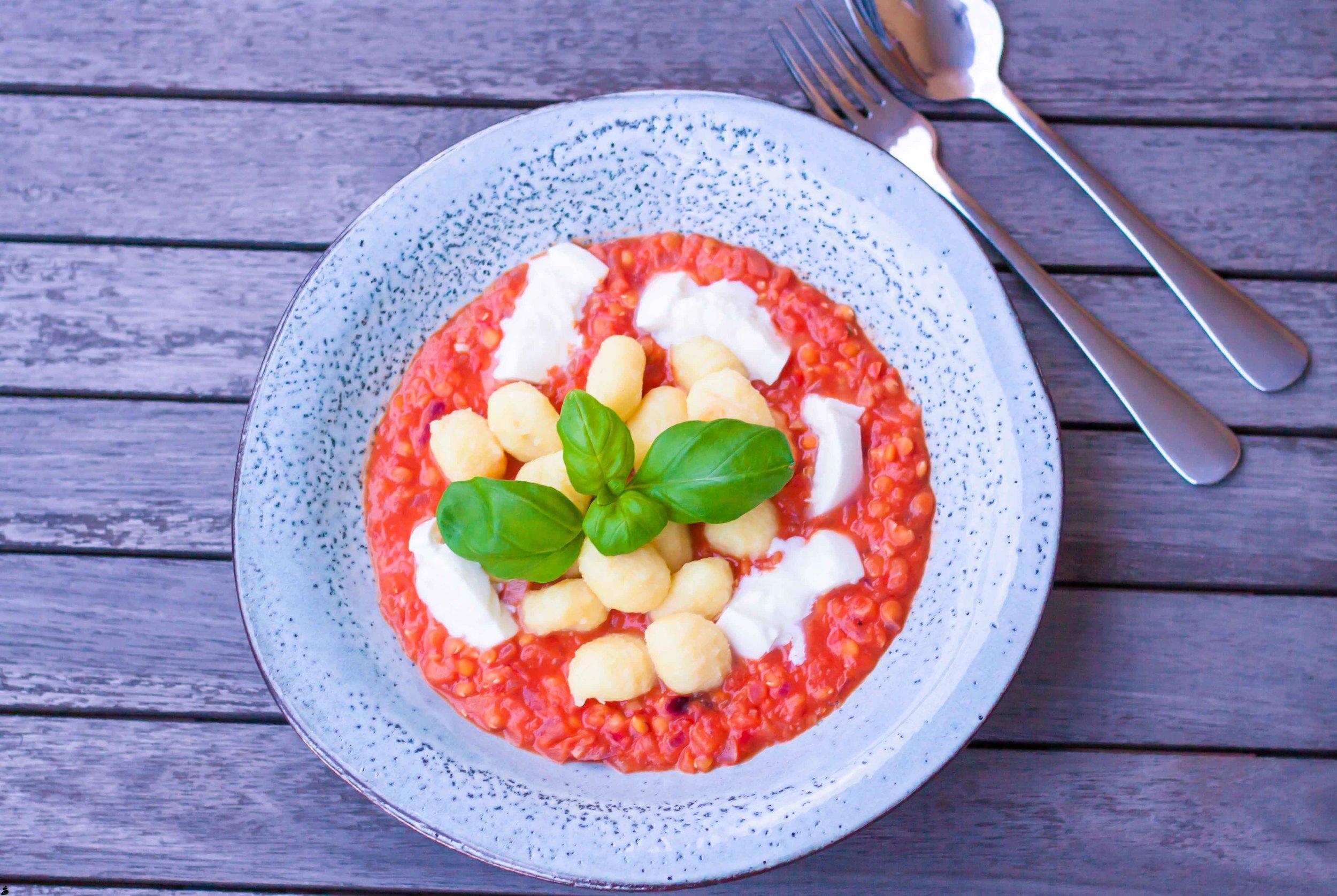 Gnocchi med tomatsås och mozzarella. Corinne Grönholm matblogg.