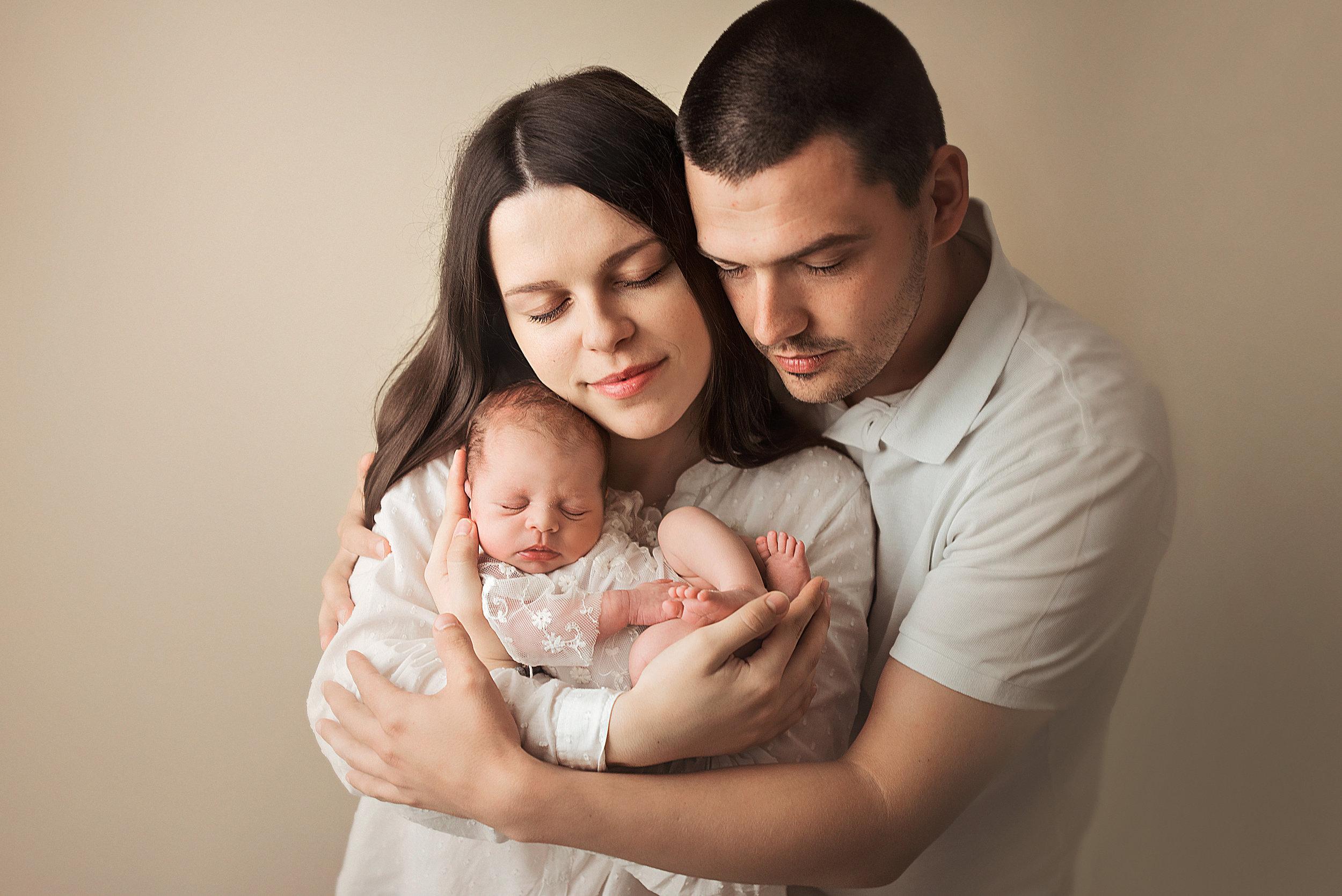 Akontaciju je potrebno uplatiti ili prilikom bilježenja termina poroda ili mjesec dana prije predviđenog termina poroda.Akontacija iznosi 600kn -