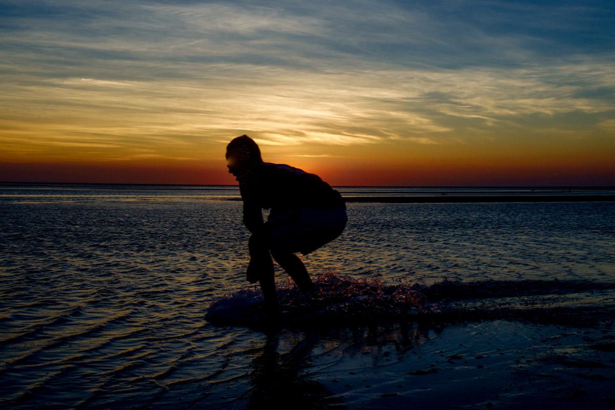 Jamie WakeBoard Sunset_Frontpage_03-1.jpg