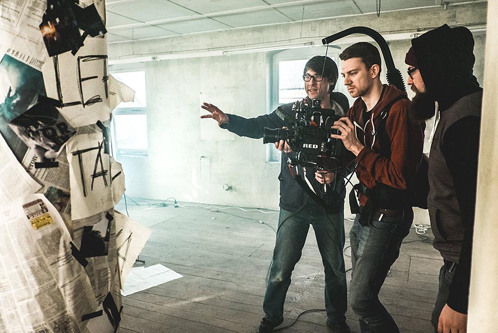 cinematographer-cameraoperator-filmmaker-musikvideo-red-production.jpg