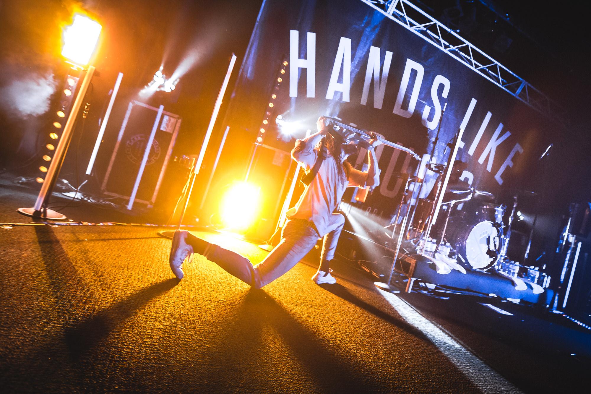 hands-like-houses-festival-concert-event-music-photography.jpg