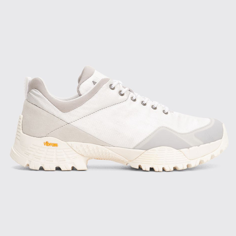 ROA SILVER OBLIQUE SNEAKERS - SELLOUT RISK: LOW MED HIGHPurchase now at tres-bien.com for $256.00