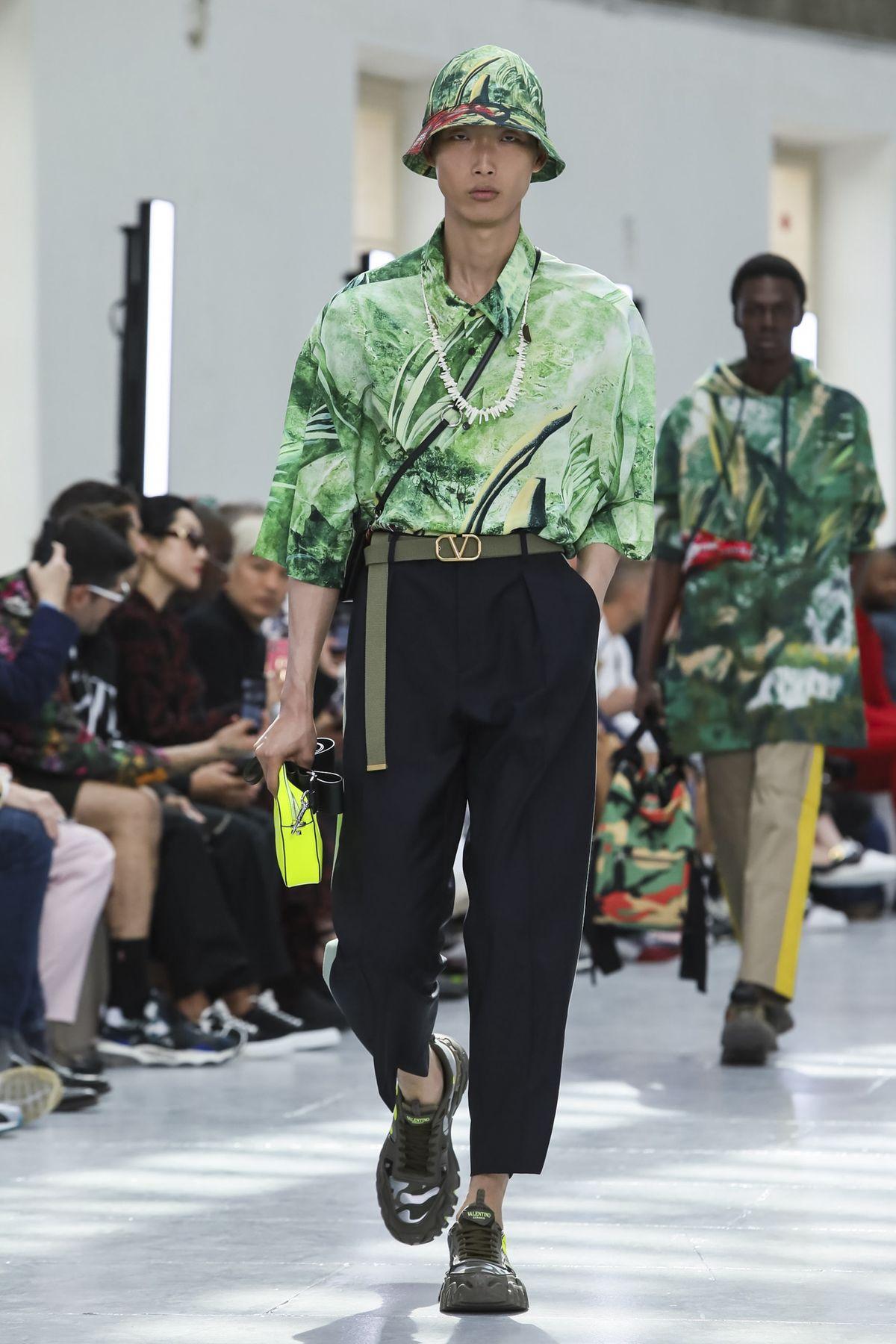 Valentino_runway_ss20_look_6.jpg