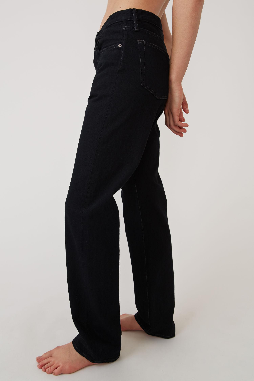 acne_studios_Classic_fit_jeans_black-2.jpg