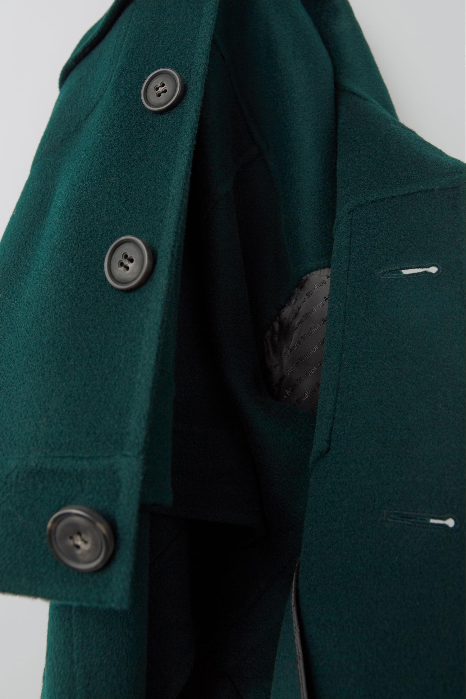 acne_studios_Cropped_oversized_jacket_bottle_green_2.jpg