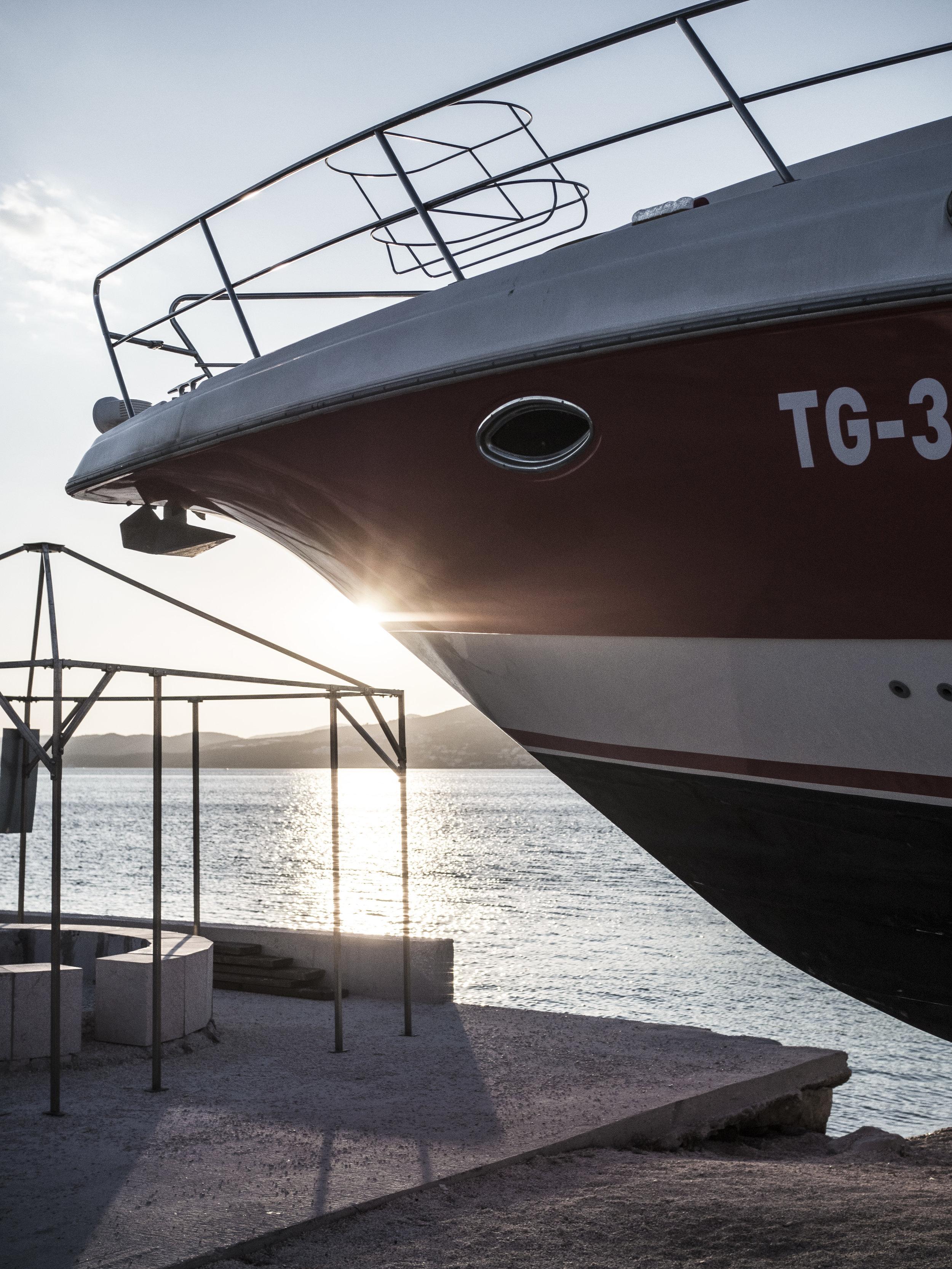 boat sun fun holiday sunset