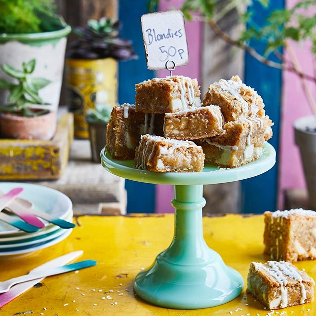School fete or charity bake sale coming up?  I've written a few easy 'fete bakes' in this month's June issue of #sainsburysmagazine 🍰 in store now!  These ***coconut and white chocolate blondies *** are as squidgy and naughty as you'd hope for. Made with brown butter and a little lemon zest to cut through the richness, they have a more-ish nutty flavour and satisfying chunks of white chocolate all the way through ... Gorgeous photo @maja.smend.photo @bdarestifood @tonykhutchinson 🙌  #blondies #fetebakes #fete #bakesale #easybakes #baking #coconut #whitechocolate #brownbutter #summer #treats