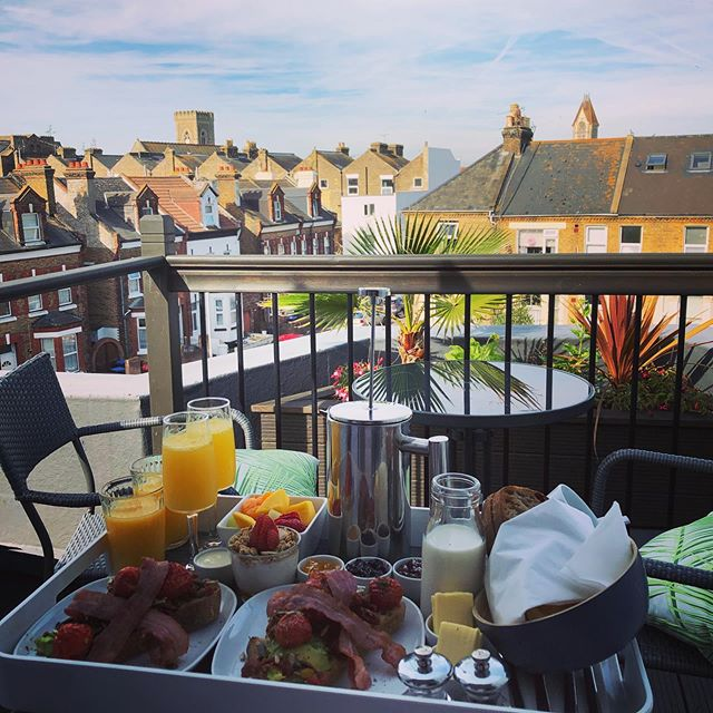 Kind of missing waking up to this 3 course breakfast situation brought to our very own wee balcony in Margate. Can't recommend this gorgeous B&B highly enough. Fantastic friendly service from host Stephen and a 5 star breakfast complete with sea-breeze and a chorus of seagulls 👌 @cliftonville_townhouse is a total gem. Loved exploring the Kent coast - especially Deal - pretty, quaint, idyllic British seaside, Hog and Bean is a must-visit for proper homemade Victoria sandwich cake and really good coffee. Also loved fish and chips @petersfishfactory in Ramsgate and a wander round the harbour - perfect for a nosy around all the lovely boats :-) In Margate we had a delicious late lunch @dorys_of_margate followed by gelato @meltmargate ... All the seaside favourites in 2 days 👍  #staycation #kent #margate #deal #ramsgate #cliftonvilletownhouse #boutiquebnb #seaside #sunshine #summer #fishnchips #gelato