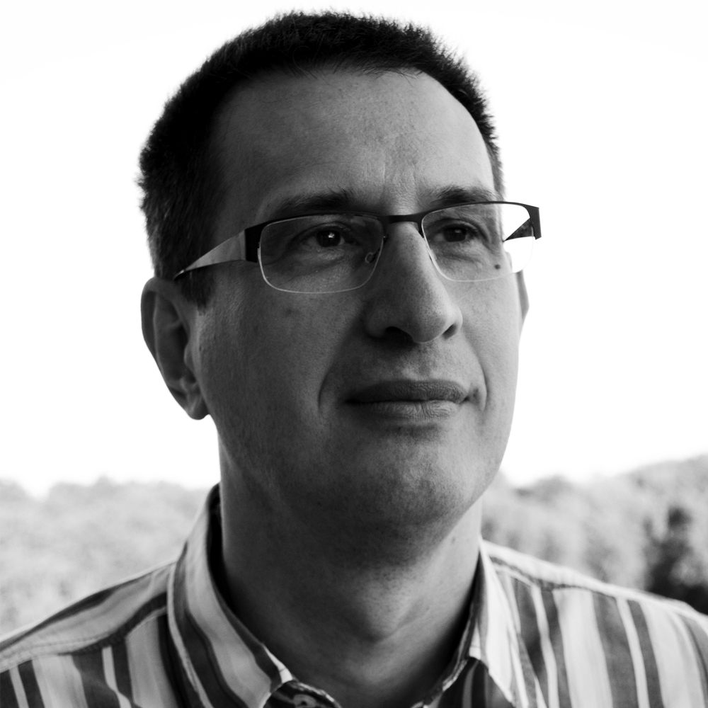 Stipe Šare  Co-founder, Senior Project Manager