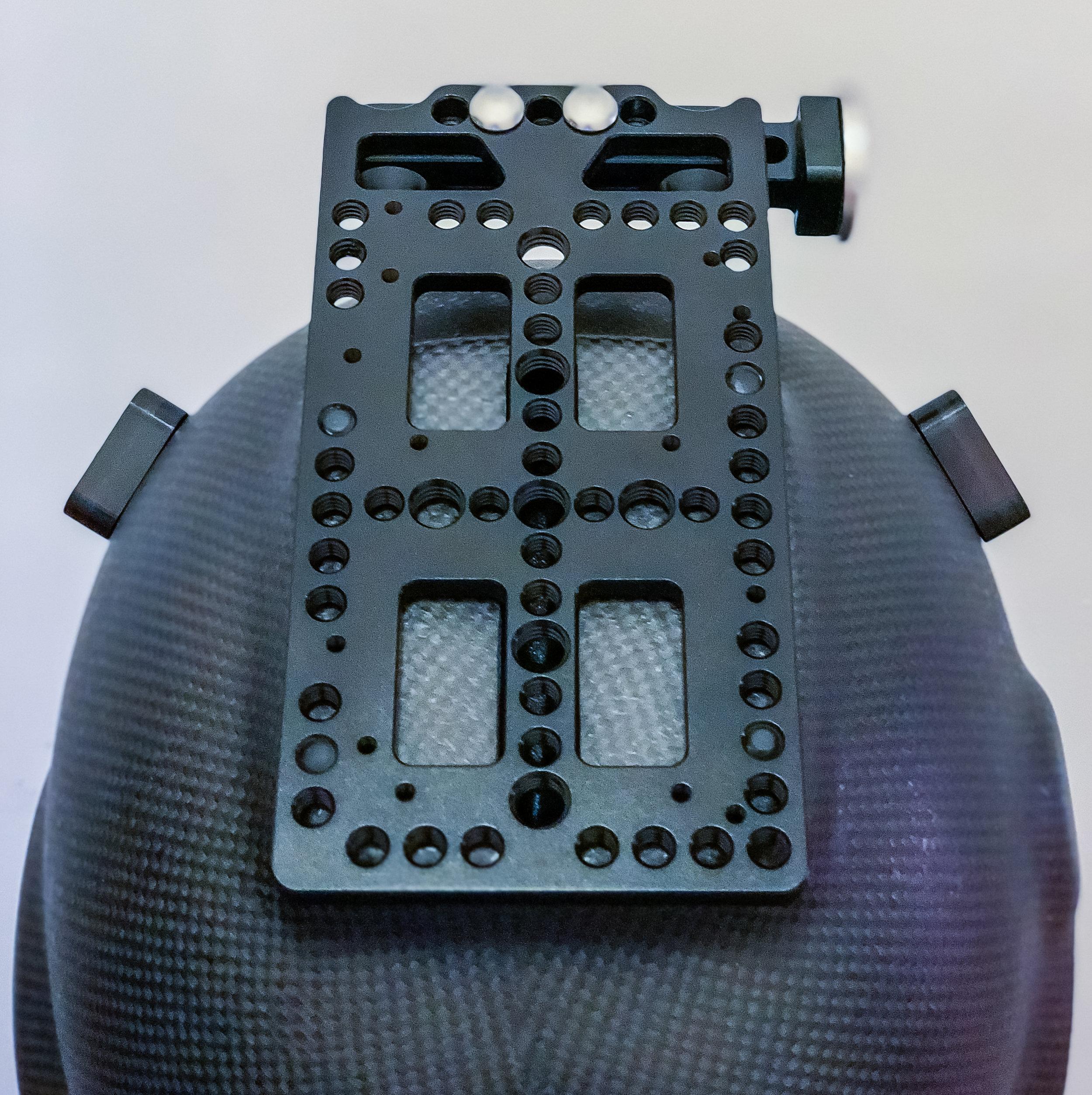 Helmet top cheese-plate