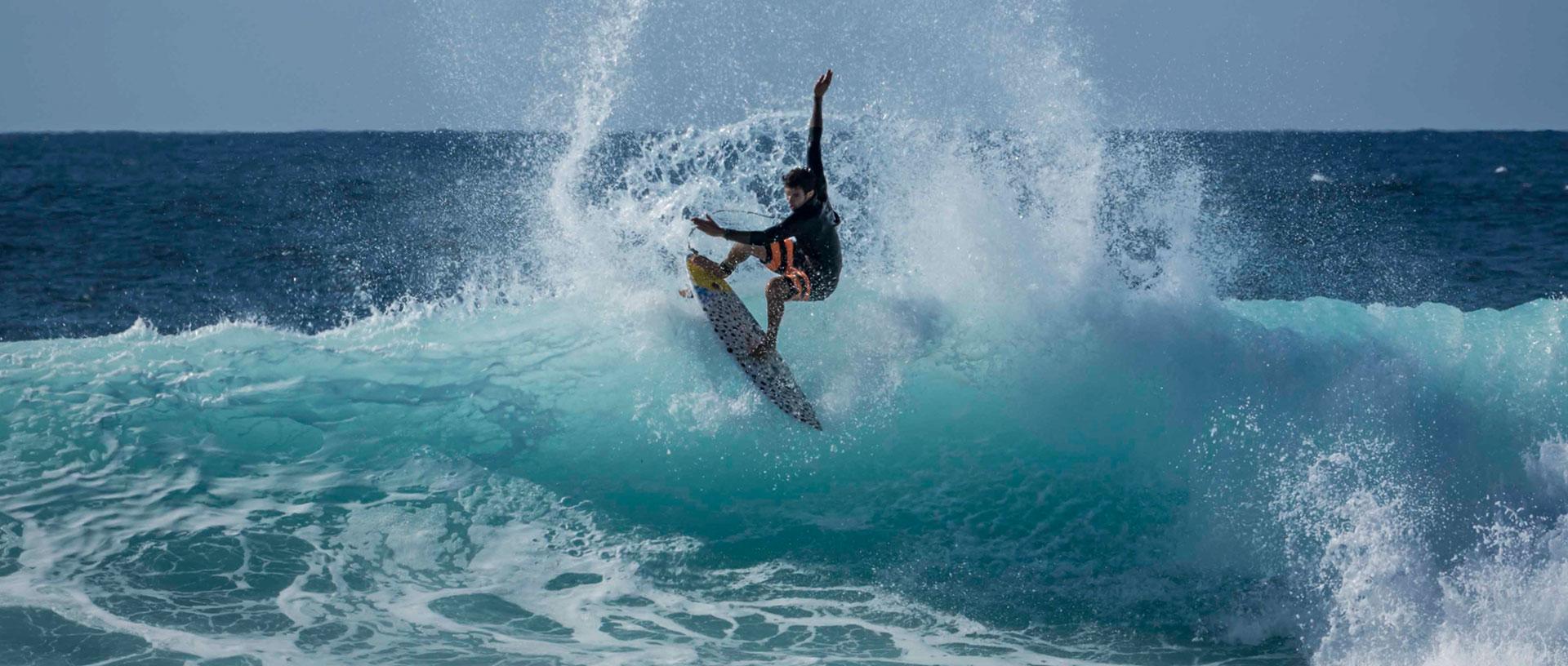 1474361036-surf-avanzado-en-canarias.jpg