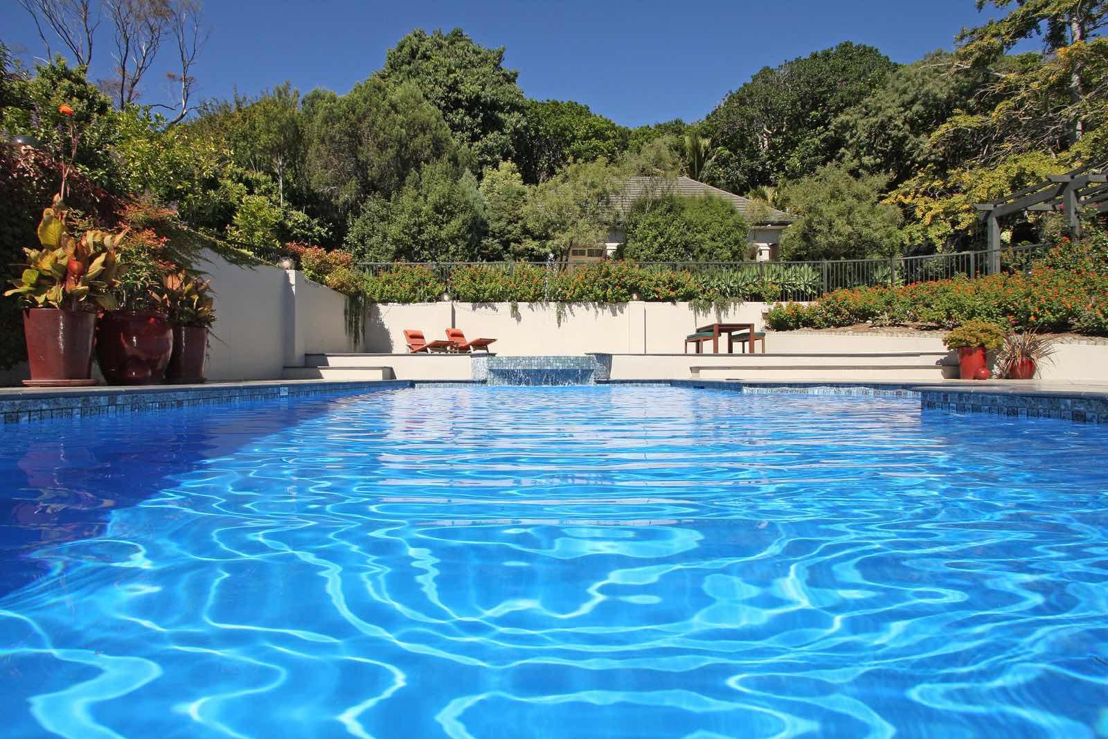 luxury escapes nz swimmingpool