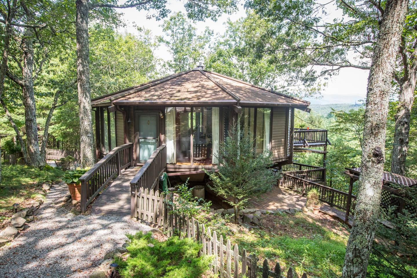 Mountain Octagon yurt in West Augusta Virginia with mountains forest secluded honeymoon getaway