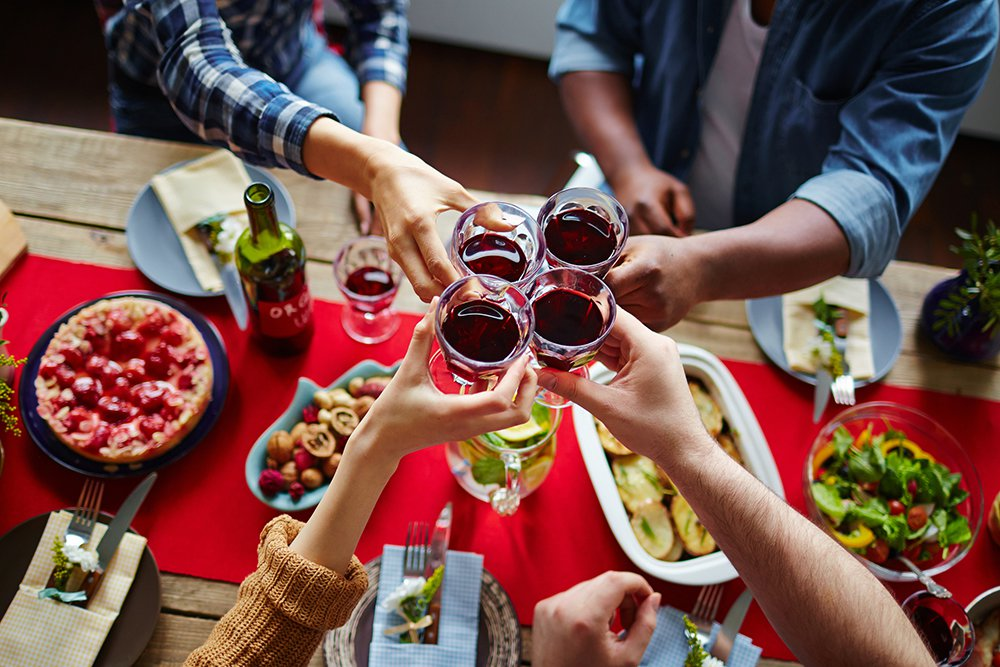 People-toasting-wine-at-dinner.jpg