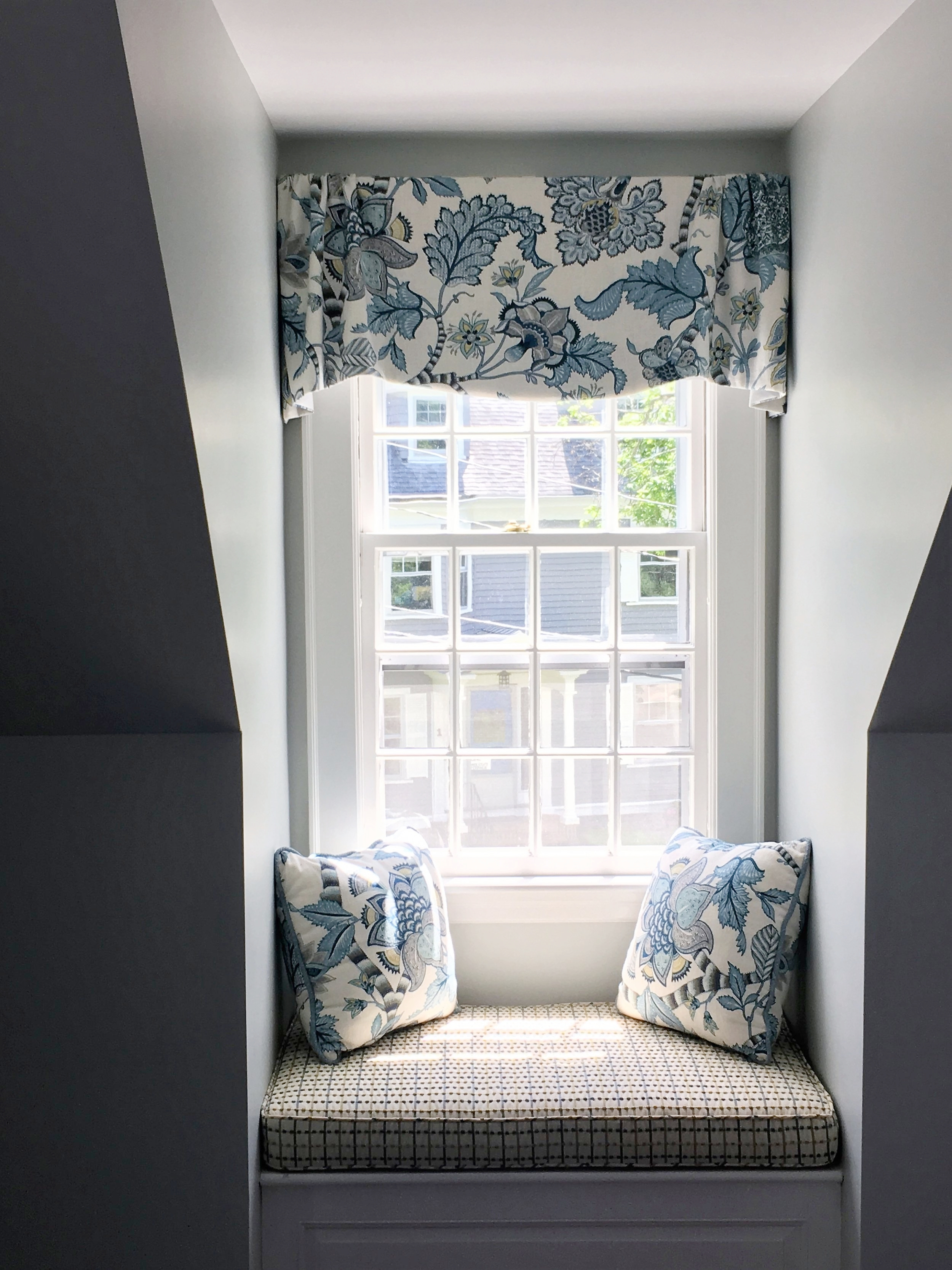 Bedding Pillows Window Seat Cushions Upholstery Spectacular Spaces