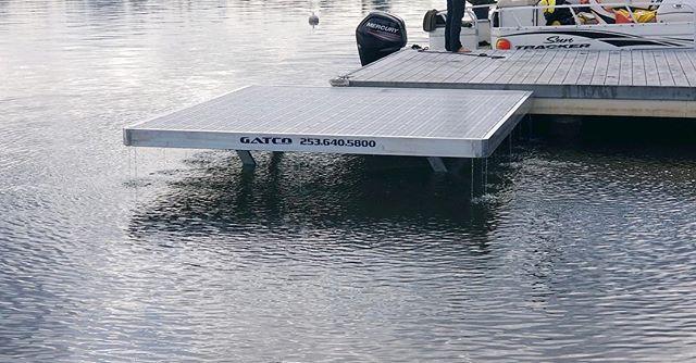 Custom Seaplane lift on #LakeTapps #TappsIsland • aluminum frame • 10x10 platform • Thru-Flow decking