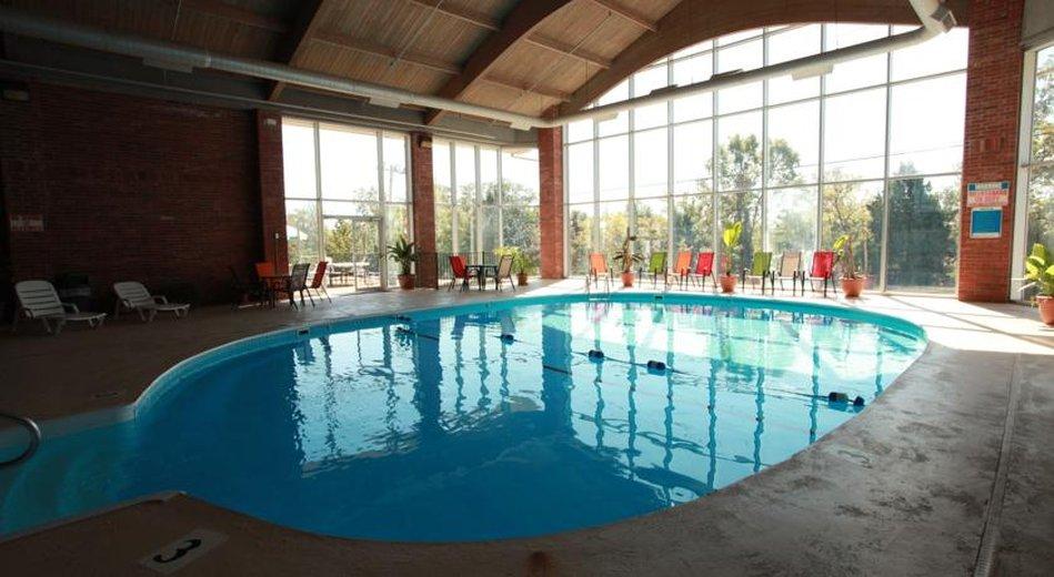 Booking_1_Indoor_Pool_R.jpg