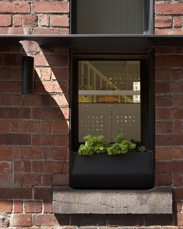 30766-Windowplanterbo.jpg