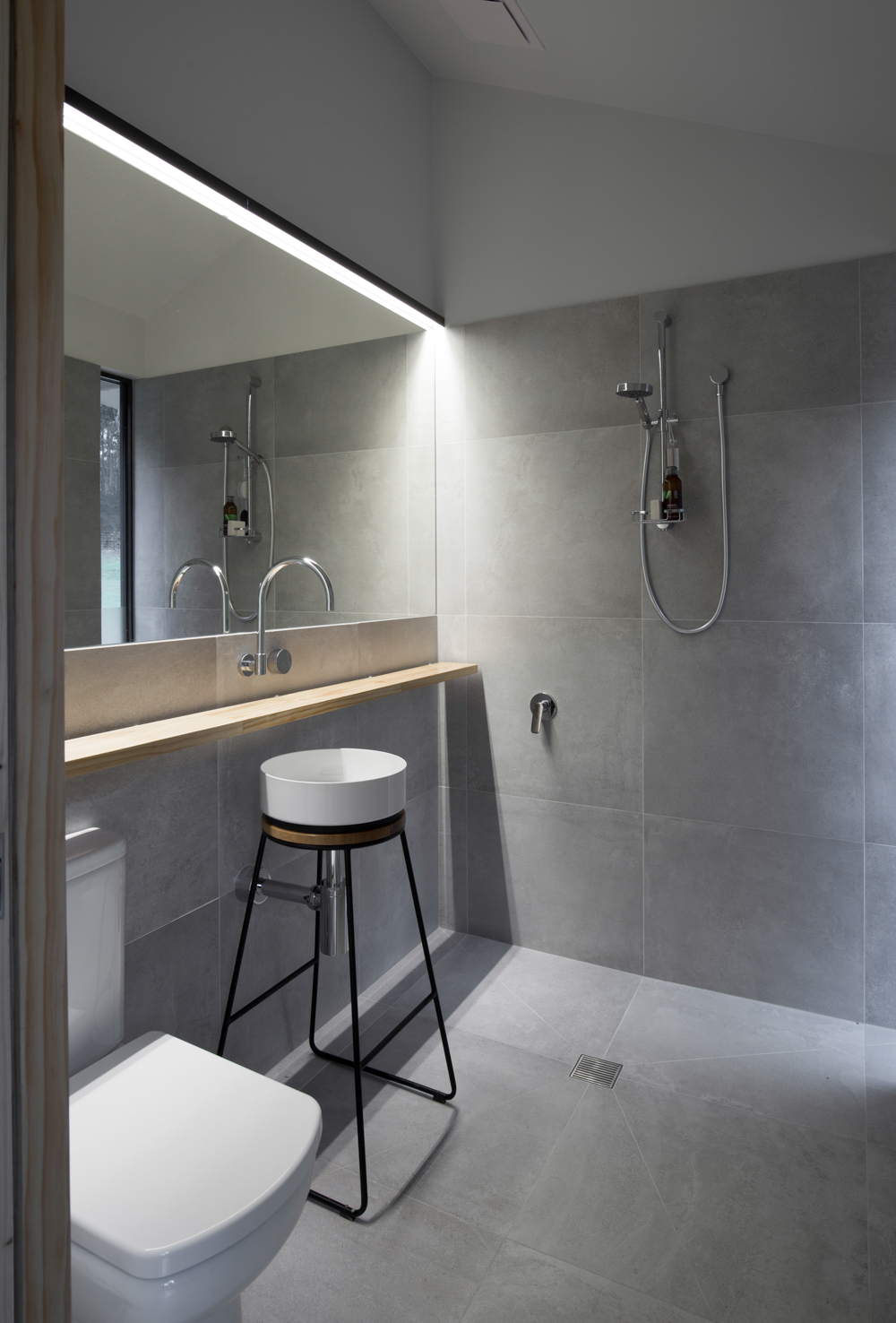 bruny-isand-hideaway-maguire-devine-architects-the-design-emotive-01.jpg