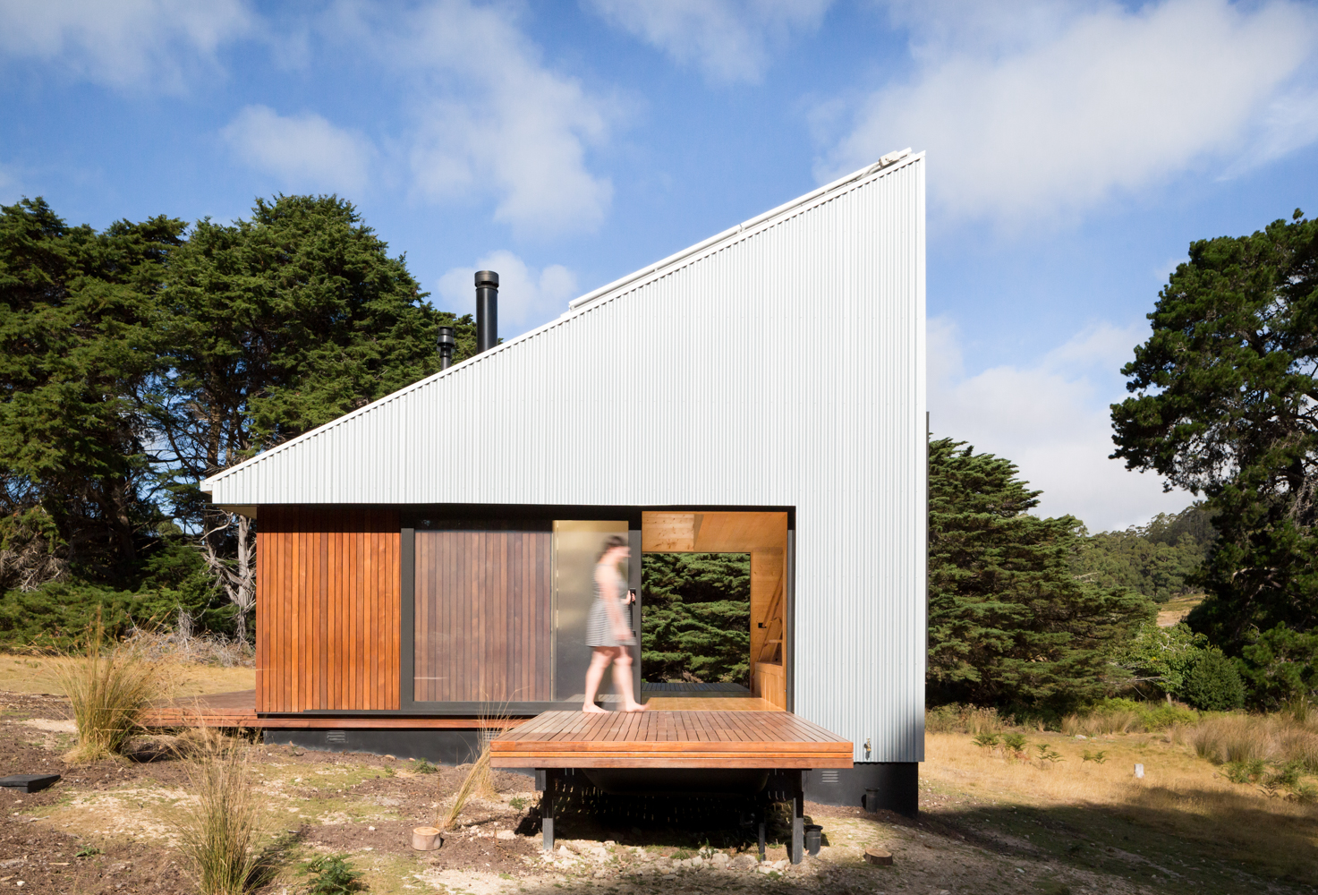 bruny-isand-hideaway-maguire-devine-architects-the-design-emotive-09.jpg