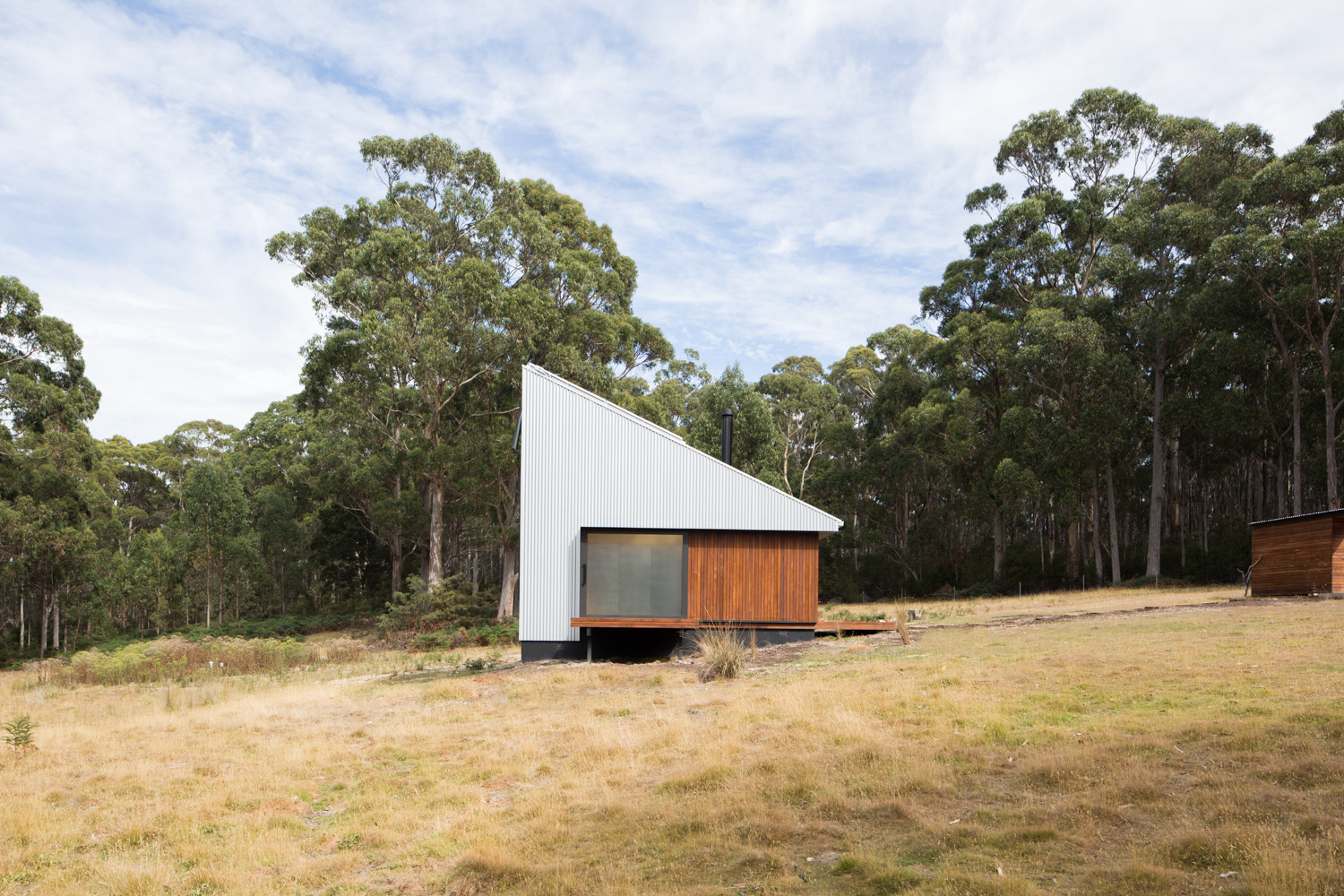 bruny-isand-hideaway-maguire-devine-architects-the-design-emotive-11.jpg