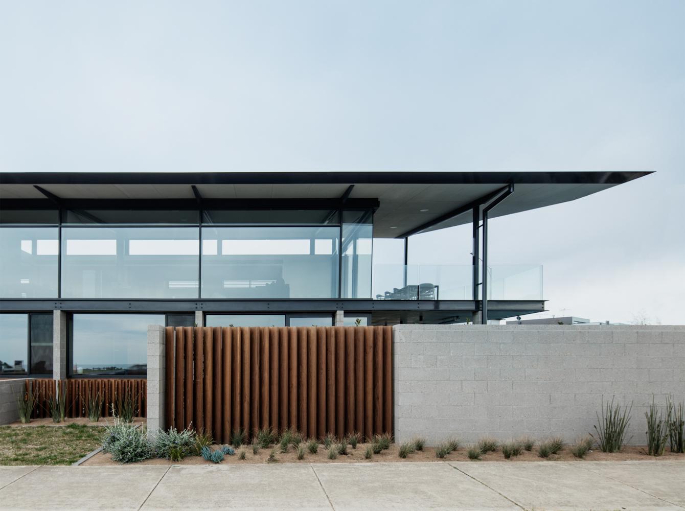 torquay-house-eldridge-anderson-the-design-emotive-01.jpg