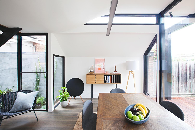 perched-house-rara-architect-the-design-emotive-02.jpg