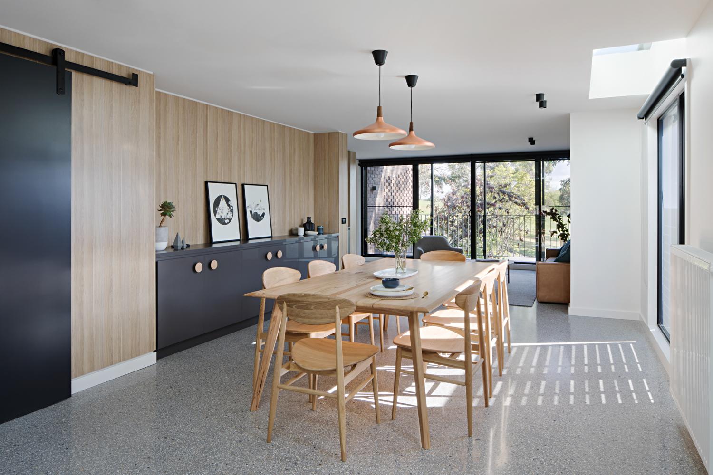 ruffey-lake-house-inbetween-architecture-the-design-emotive-02.jpg